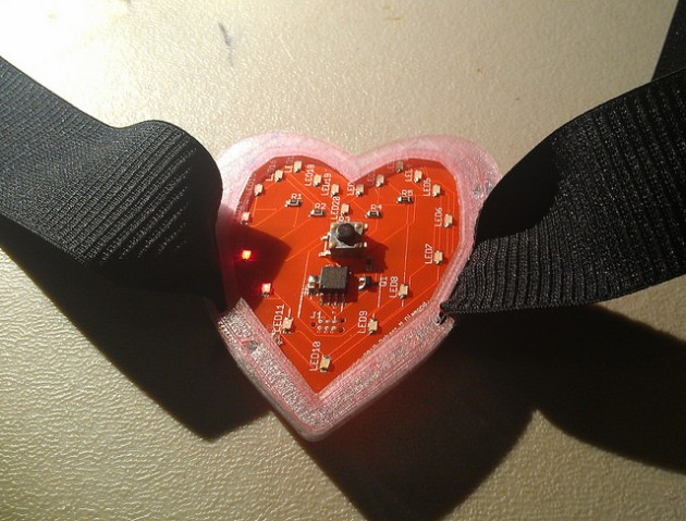 Make your own LED heart at HM for your Valentine